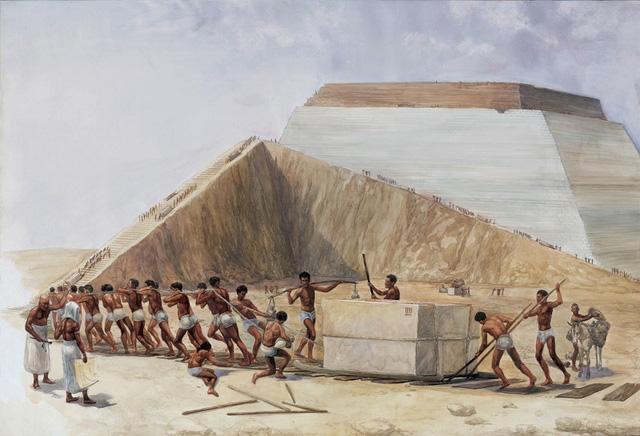 Hình ảnh được cho là nằm trong quá trình xây dựng một kim tự tháp.