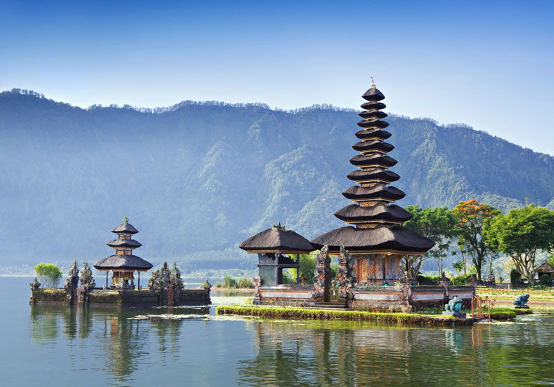 1. Indonesia. Tổng diện tích: 1.904.569 km2.
