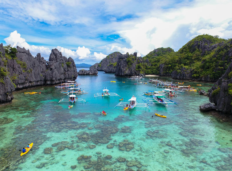 6. Philippines. Tổng diện tích: 300.000 km2.