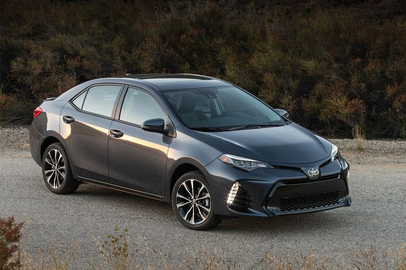 1. Toyota (doanh số: 4.280.437 chiếc).