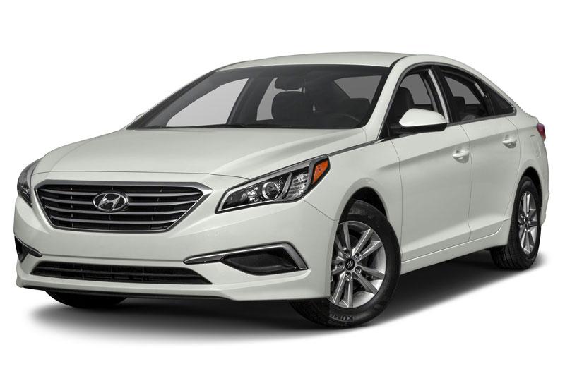 5. Hyundai Sonata (doanh số: 6.424 chiếc).