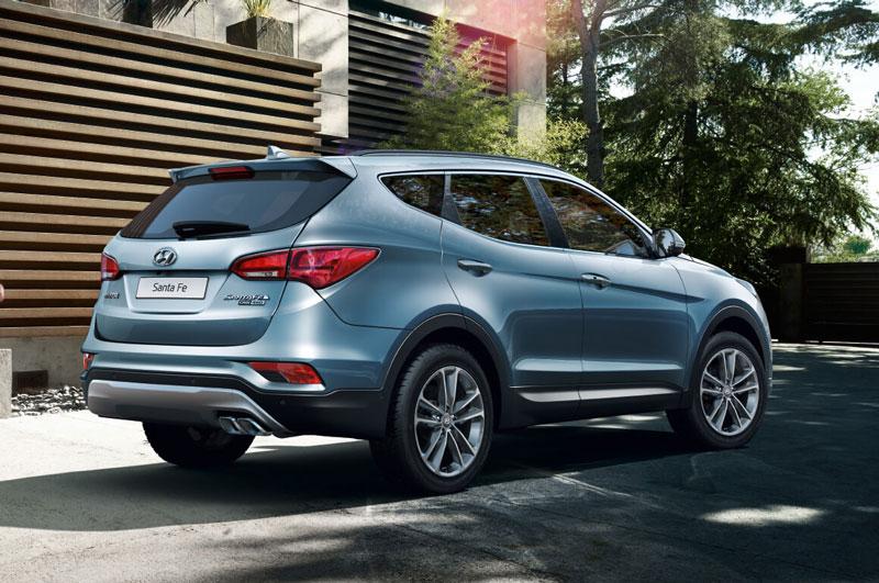 9. Hyundai Santa Fe (doanh số: 4.439 chiếc).
