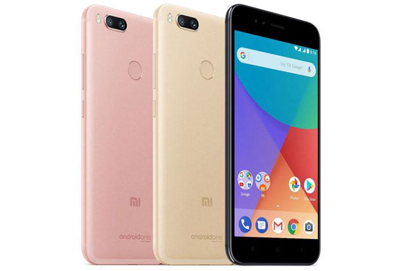 Xiaomi Mi A1 đem đến cho khách hàng 3 tuỳ chọn về màu sắc gồm đen, vàng và vàng hồng. Máy sẽ được bán ra tại 37 quốc gia và vùng lãnh thổ, trong đó có Việt Nam bắt đầu từ ngày 12/9. Ở Ấn Độ Mi A1 có giá 14.999 Rupee (tương đương 5,31 triệu đồng).