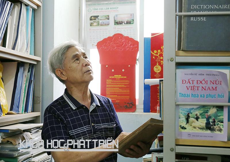 Giáo sư - tiến sỹ khoa học Nguyễn Ngọc Lung. Ảnh: Đoàn Dung