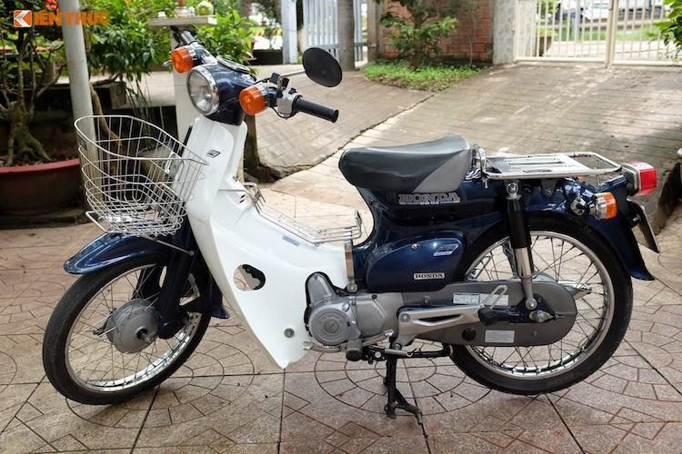 """Loạt xe máy Honda Super Cup giá trăm triệu tại Việt Nam. Những chiếc Honda Super Cub 50 """"vang bóng một thời"""" trải qua tuổi đời hàng chục năm vẫn có giá bán lên tới hàng trăm triệu đồng. (CHI TIẾT)"""
