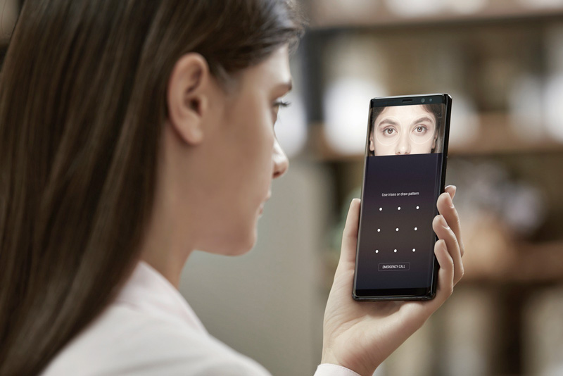 Galaxy Note 8 được trang bị cảm biến võng mạc.