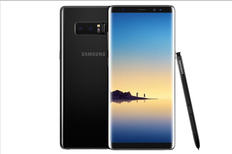 Samsung Galaxy Note 8 dùng vi xử lý gồm Exynos 8895 (thị trường quốc tế) lõi 8 với xung nhịp tối đa 2,3 GHz, GPU Mali-G71 MP20. RAM 6 GB, bộ nhớ trong 64 GB, có khay cắm thẻ microSD với dung lượng tối đa 256 GB. Hệ điều hành Android 7.1.1 Nougat.
