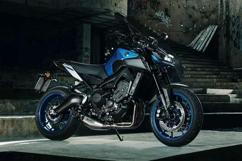 Điểm danh top 5 xe naked bike đỉnh cao năm 2017. Yamaha được xướng tên hai lần với hai đại diện MT-09 và MT-10 Tourer Edition, các vị trí tiếp theo thuộc về 1290 Super Duke R của hãng KTM, S 1000 R của BMW và Street Triple 765 của Triumph. (CHI TIẾT)