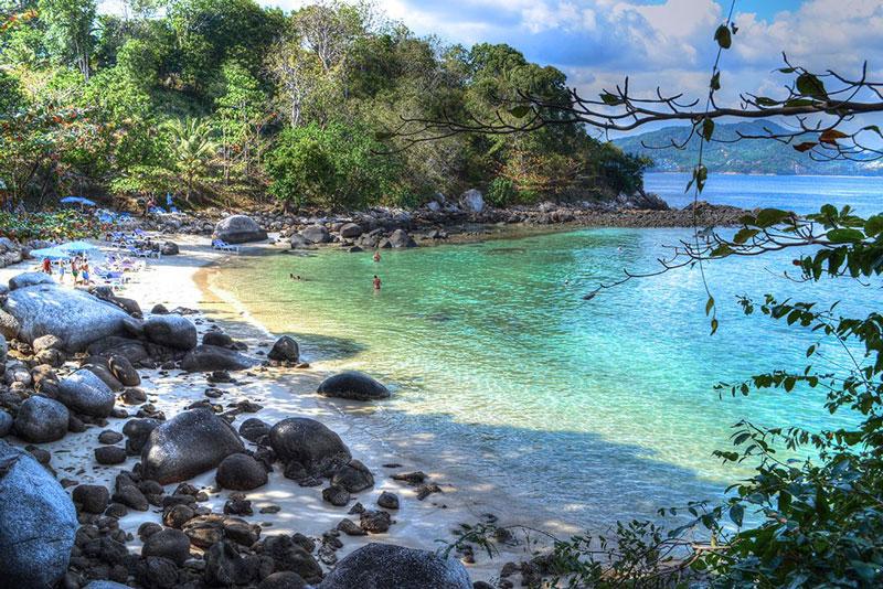 Đây được xem là thiên đường về du lịch biển với đầy đủ cơ sở vật chất và thể thao dưới biển.