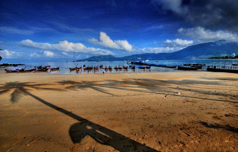 Hàng năm, chỉ riêng bãi biển Patong đã đón hàng triệu du khách đến từ khắp nơi trên thế giới.