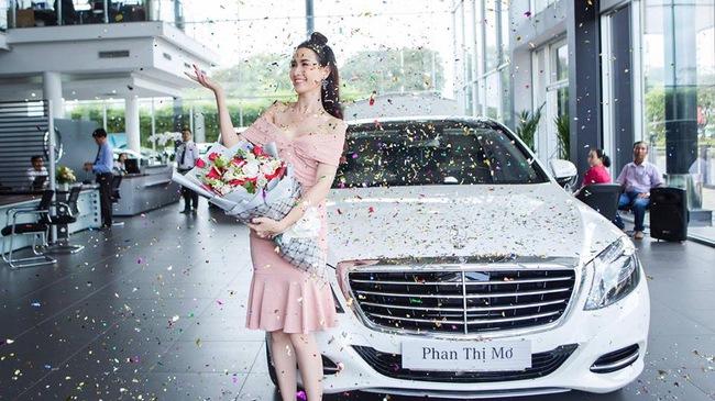 Top 5 HHVN 2012 Phan Thị Mơ tậu
