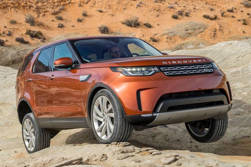 Top 10 xe SUV địa hình hạng sang tốt nhất năm 2017. Theo bầu chọn của trang AB, Land Rover Discovery, Mercedes-Benz G-Class, Toyota Land Cruiser, Land Rover Range Rover, Lexus GX 460, Porsche Cayenne… là những mẫu xe SUV địa hình (offroad) hạng sang tốt nhất thế giới năm 2017. (CHI TIẾT)