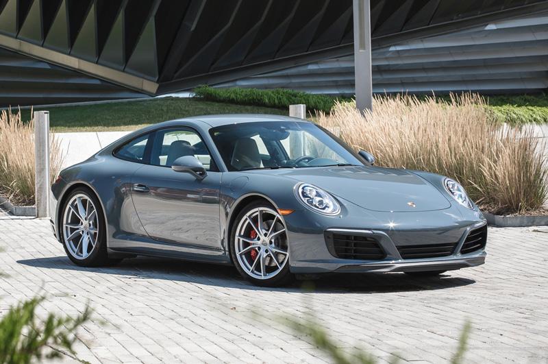 1. Porsche 911 2017.