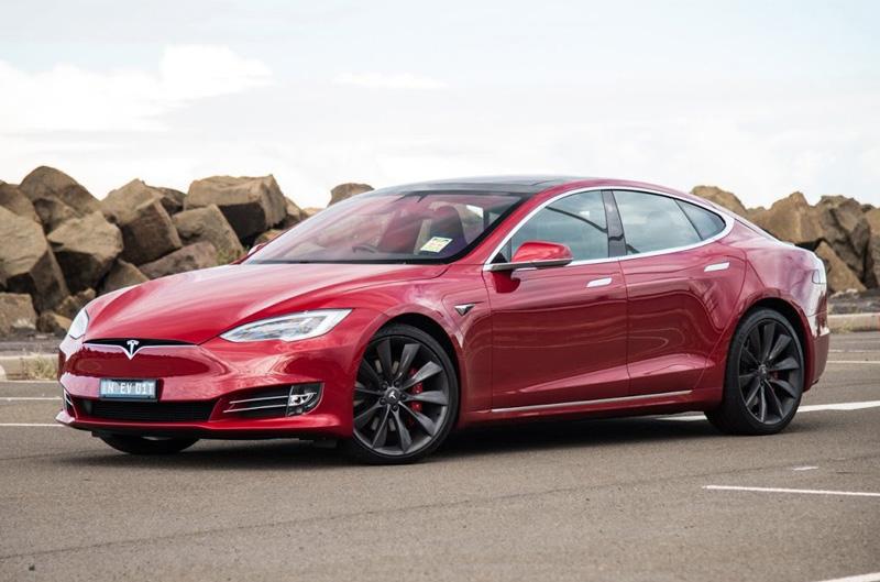 7. Tesla Model S 2017.
