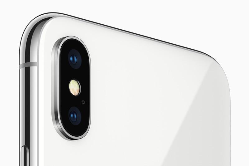 Camera sau của iPhone X.