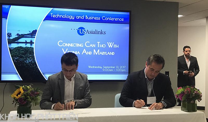 Đại diện HoaLacTOT và công ty USAsia Links ký kết thỏa thuận về việc hỗ trợ xây dựng trung tâm dữ liệu tại Khu Công nghệ cao Hòa Lạc