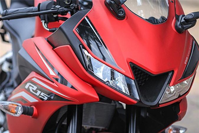 Moto Yamaha R15 gia chi 99 trieu dong tai Viet Nam-Hinh-4