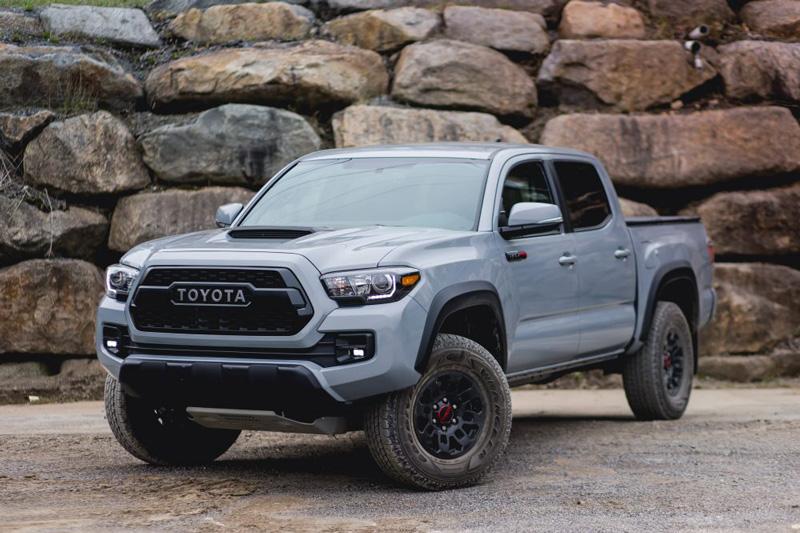 Top 10 xe bán tải 2 cầu tốt nhất năm 2017. Theo bầu chọn của trang AB, Nissan Titan Pro-4X, Ram 2500 Power Wagon, Toyota Tacoma TRD Pro, Nissan Frontier Pro-4X, Toyota Tundra TRD Pro… là những xe bán tải 2 cầu tốt nhất năm 2017. (CHI TIẾT)