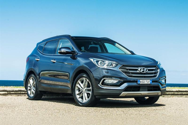 Bảng giá xe Hyundai tháng 9/2017: SantaFe và Elantra giảm giá mạnh. Nhằm giúp quý độc giả tiện tham khảo trước khi mua xe, Khoa học & Phát triển xin đăng tải bảng giá xe Hyundai tại Việt Nam tháng 9/2017. Mức giá này đã bao gồm thuế VAT. (CHI TIẾT)
