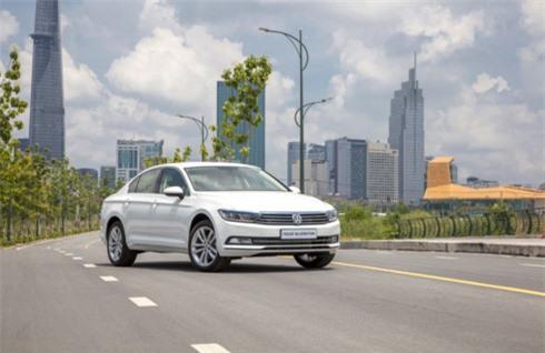 Volkswagen Beetle và Passat vừa ra mắt có gì đặc biệt? Sau khi trở lại Việt Nam, Volkswagen (VW) đã giới thiệu tới thị trường hai phiên bản Beetle và Passat mới. (CHI TIẾT)