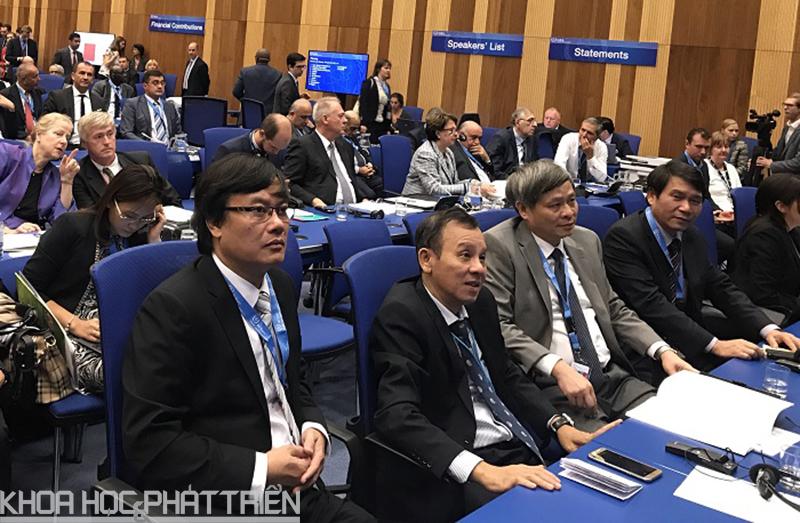 Các đại biểu tham dự hội nghị tại Viên