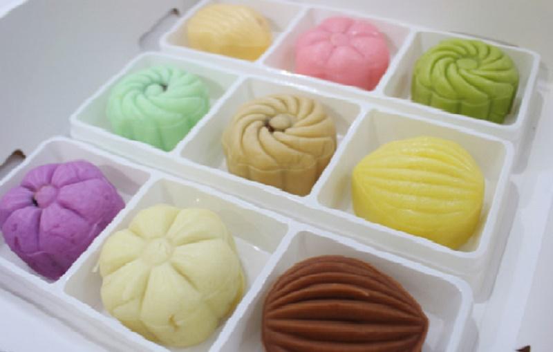 Clip: Cách làm bánh dẻo lạnh thơm ngon, đẹp mắt. Chỉ với một vài biến tấu từ bánh Trung thu truyền thống, bạn đã có thể tự tay làm cho mình và người thân những chiếc bánh dẻo lạnh mới lạ, độc đáo với hương vị ngọt ngào, thanh mát. (CHI TIẾT)