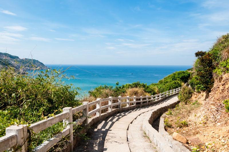 Mũi Đại Lãnh cùng với vịnh Vân Phong hợp thành một khu du lịch trọng điểm quốc gia Việt Nam. Ảnh: VTV6.