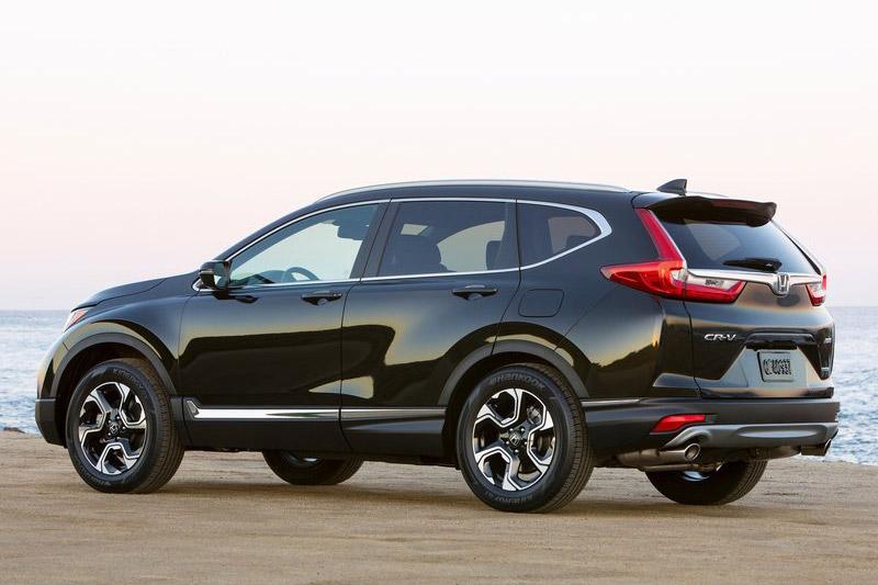 Top 10 xe SUV và crossover cỡ nhỏ tốt nhất năm 2017. Theo bầu chọn của trang A123, Mazda CX-5, Honda CR-V, Hyundai Tucson, Ford Escape, Volkswagen Tiguan, Nissan Rogue… là những mẫu xe SUV và crossover cỡ nhỏ tốt nhất năm 2017. (CHI TIẾT)