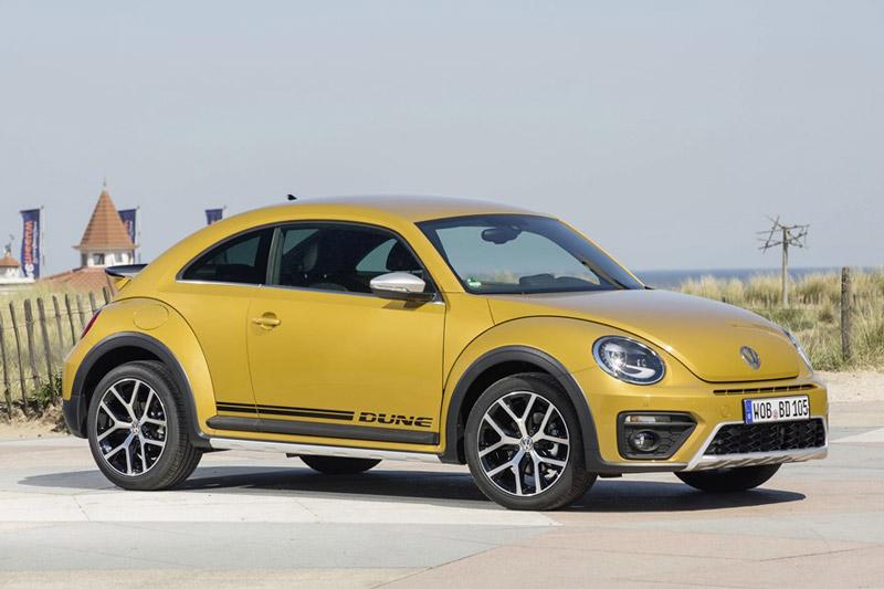 """Cận cảnh Volkswagen Beetle Dune 2017 giá 1,469 tỷ đồng tại Việt Nam. Volkswagen Beetle Dune 2017 vừa được phân phối chính hãng tại thị trường Việt Nam với giá 1,469 tỷ đồng. Dưới đây là những hình ảnh cận cảnh của """"con bọ"""" này. (CHI TIẾT)"""