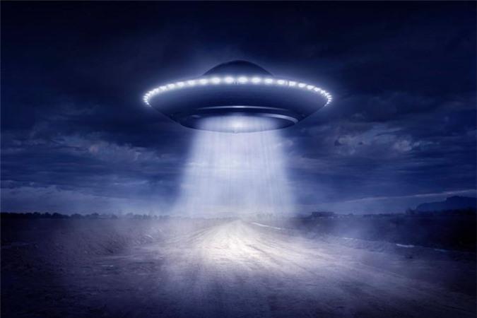 """Bi an nhung lan linh My """"cham tran"""" UFO trong CTVN-Hinh-5"""