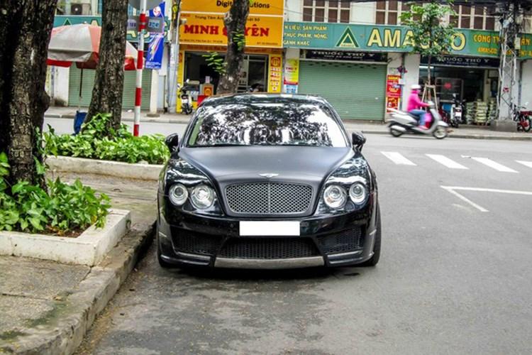 Siêu xe sang Bentley tiền tỷ độ Mansory tại Sài Gòn. Siêu xe sang Bentley Continental Flying Spur Speed đổi từ phong cách