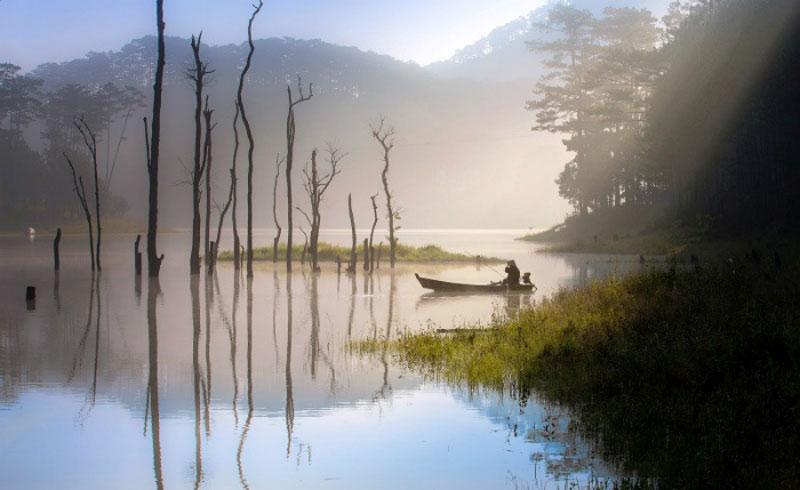 Hồ Tuyền Lâm là hồ nước ngọt thuộc thành phố Đà Lạt, tỉnh Lâm Đồng. Ảnh: Nguyễn Khánh Hoàng