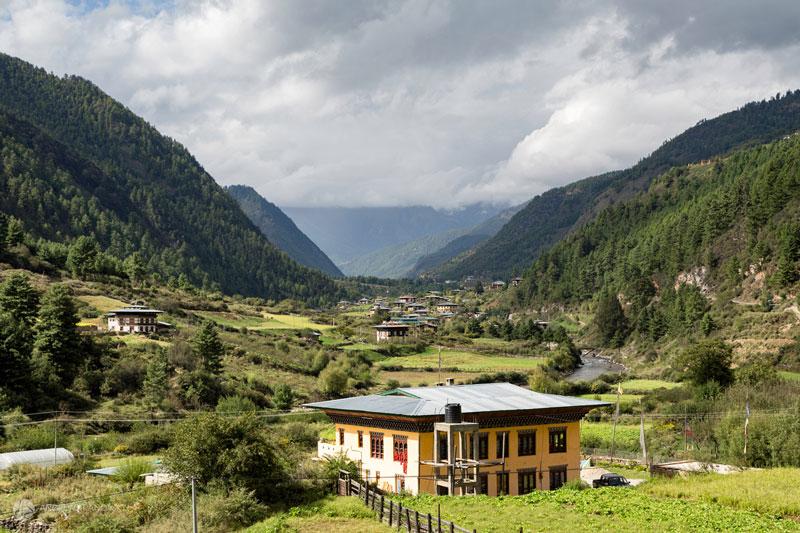 3. Haa. Là một thung lũng nằm gần quận Paro, Bhutan. Đây là một trong những điểm thu hút khách du lịch bậc nhất quốc gia này. Nơi đây không chỉ có cảnh sắc thiên nhiên tuyệt đẹp mà còn mang đậm dấu ấn văn hóa địa phương.