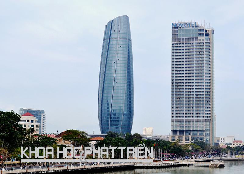 Trung tâm hành chính Đà Nẵng được thiết kế là tòa nhà hành chính thông minh. Ảnh: Lê Liên
