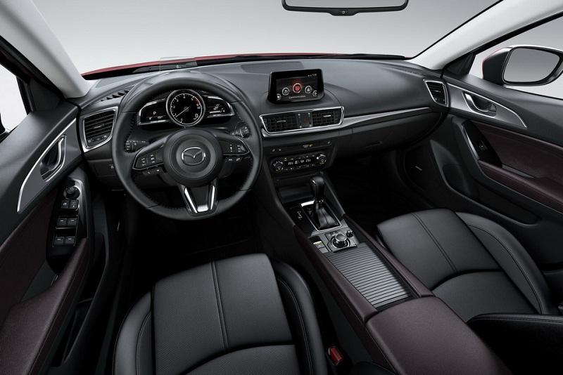 4. Mazda 3 2017.