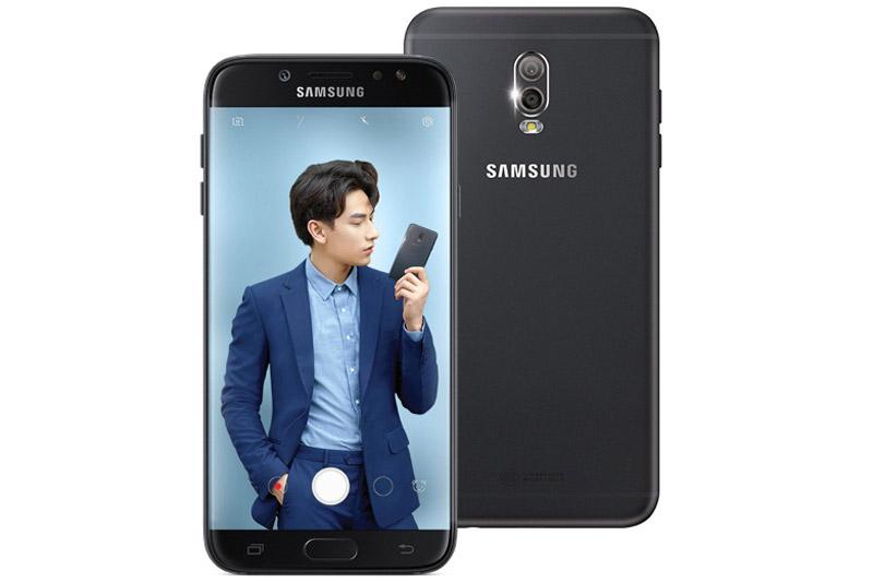 Samsung Galaxy J7 Plus sử dụng vỏ kim loại nguyên khối với các góc cạnh được bo cong giúp người dùng dễ cầm nắm. Galaxy J7 Plus có kích thước 152,4x74,7x7,9 mm, trọng lượng 180 g.