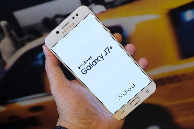 Samsung Galaxy J7 Plus - 2