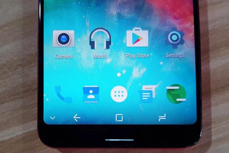 3 phím điều hướng nằm trong màn hình.