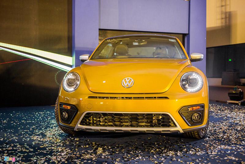 Volkswagen Beetle Dune có hai lựa chọn màu sơn vàng và trắng tại Việt Nam.