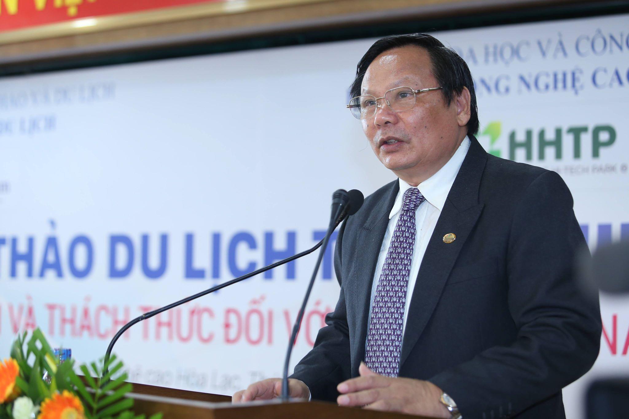 Tổng cục trưởng Tổng cục Du lịch Nguyễn Văn Tuấn phát biểu tại hội thảo, nhấn mạnh coi ứng dụng CNTT là giải pháp đột phá để nâng cao năng lực cạnh tranh của du lịch Việt Nam. Ảnh: Loan Lê