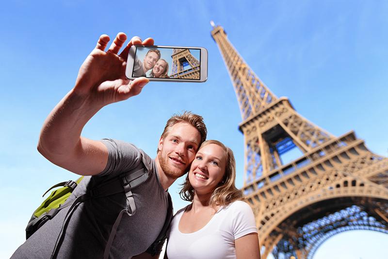 Paris đang nỗ lực sử dụng kỹ thuật số để nâng cao chất lượng dịch vụ du lịch. Ảnh: Puertadgaraje