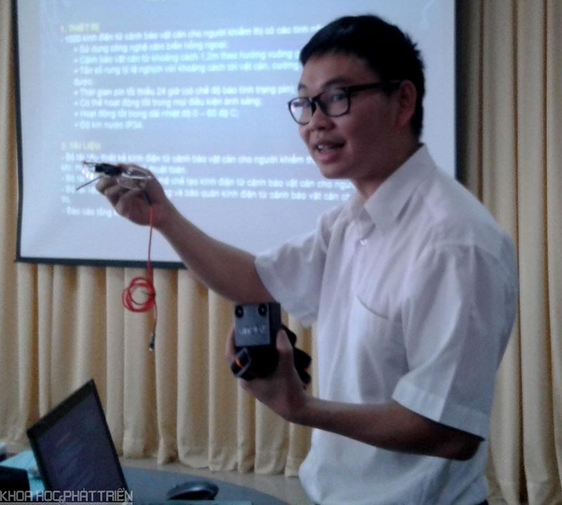 TS.Nguyễn Bá Hải giới thiệu về kính điện tử MT2EX.