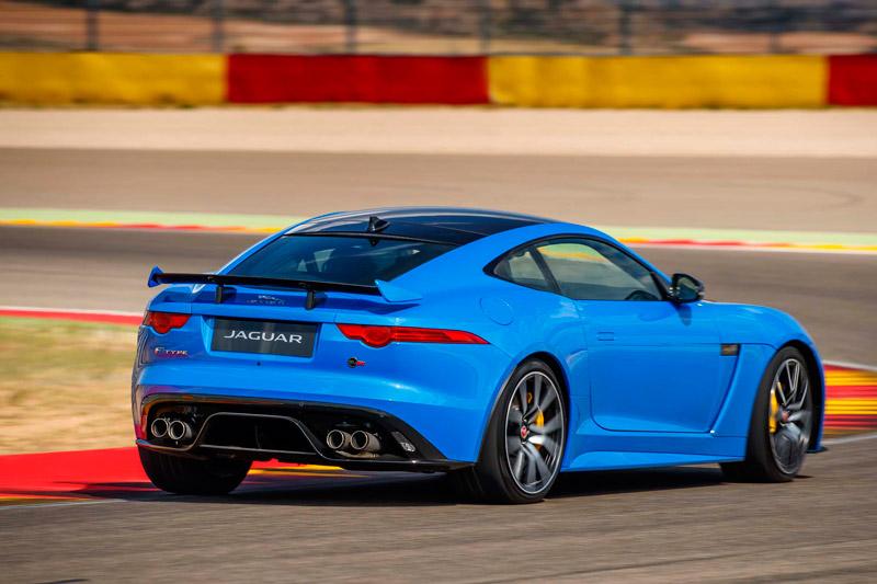 =1. Jaguar F-Type SVR (thời gian tăng tốc từ 0-100 km/h: 3,5 giây).