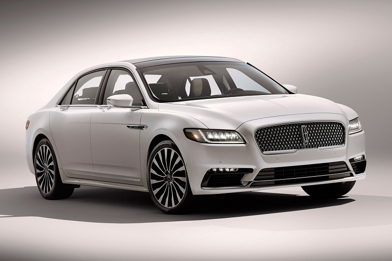 10. Lincoln Continental (thời gian tăng tốc từ 0-100 km/h: 5,5 giây).