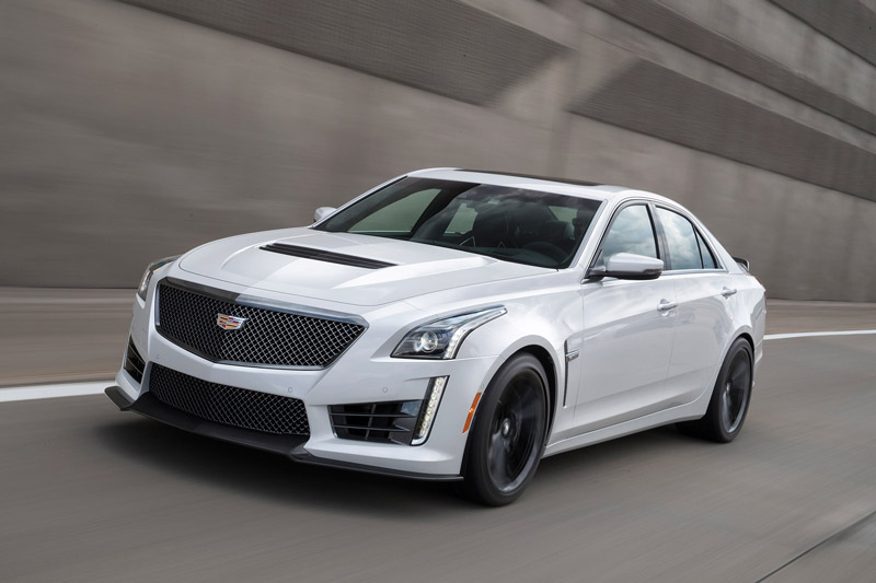 =1. Cadillac CTS-V (thời gian tăng tốc từ 0-100 km/h: 3,5 giây).