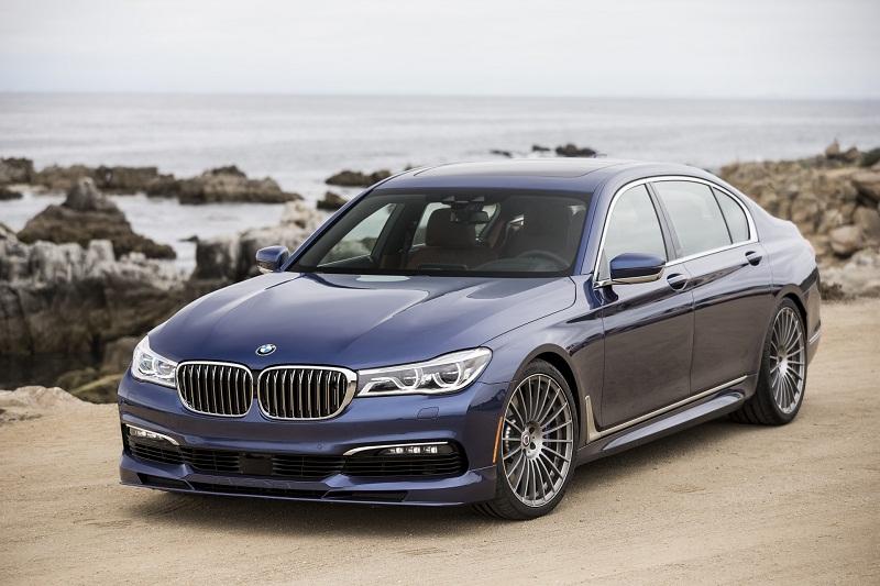 =3. BMW Alpina B7 xDrive (thời gian tăng tốc từ 0-100 km/h: 3,6 giây).