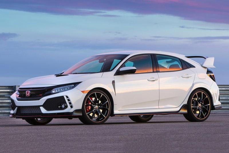 Top 10 xe hơi 4 xi lanh tốt nhất thế giới. Theo bầu chọn của trang AB, Mercedes-AMG CLA45, Volvo S60 Polestar, Jaguar XE, Audi S3, BMW 328d, Honda Civic Type R, Ford Focus RS… là những xe hơi 4 xi lanh tốt nhất thế giới hiện nay. (CHI TIẾT)