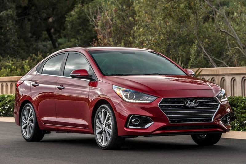 Cận cảnh mẫu sedan giá gần 400 triệu của Hyundai. Vào cuối năm nay, Hyundai Accent 2018 sẽ được bán ra tại thị trường Mỹ với giá khởi điểm 15.630 USD (tương đương 354,64 triệu đồng). Mẫu sedan này được trang bị động cơ 4 xi lanh với dung tích 1,6 lít. (CHI TIẾT)