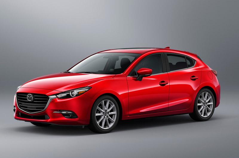 8. Mazda 3 (doanh số: 581 chiếc).