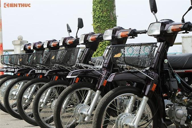 Cận cảnh dàn Honda Dream Thái biển tứ quý tại Hà Nội. Không dừng lại ở việc chơi xe, những người đam mê Honda Dream II còn cất công tìm những chiếc xe biển sô siêu đẹp để sưu tập. (CHI TIẾT)